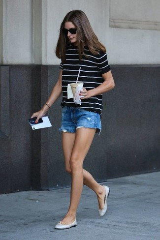 How to wear: black and white horizontal striped crew-neck t-shirt, blue denim shorts, silver leather ballerina shoes