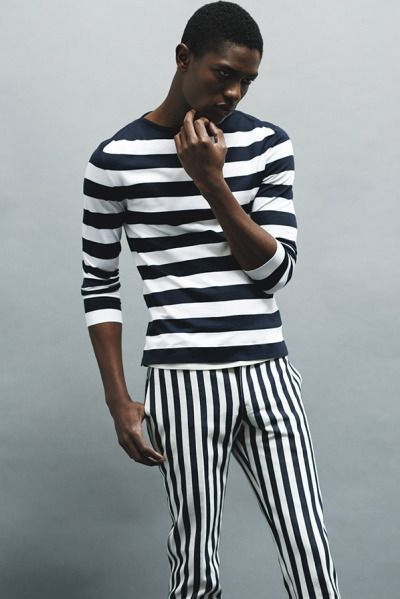 6a2cc837c9 How to wear: black and white horizontal striped long sleeve t-shirt, black