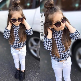 How to wear: black and white check long sleeve shirt, white jeans, black sneakers, black sunglasses