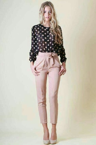 How to Wear Grey Leather Pumps: A black and white polka dot button down blouse and pink tapered pants are indispensable essentials if you're picking out a casual wardrobe that holds to the highest sartorial standards. If not sure about what to wear on the footwear front, stick to a pair of grey leather pumps.