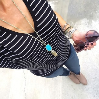 How to wear: black and white horizontal striped v-neck t-shirt, charcoal skinny jeans, beige leather ankle boots, aquamarine pendant