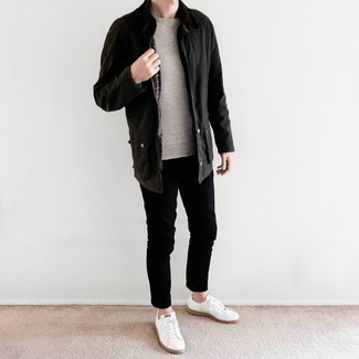 Black Barn Jacket Spring Outfits: Why not wear a black barn jacket with black chinos? Both of these items are super comfortable and will look amazing teamed together. Feeling transgressive today? Jazz up your look by rocking white canvas low top sneakers. So if you're in search of an outfit that's sharp but also entirely spring-friendly, look no further.