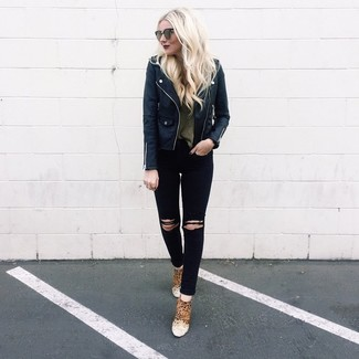 How to Wear an Olive Crew-neck Sweater For Women: Consider wearing an olive crew-neck sweater and black ripped skinny jeans for a stylish and edgy look. Complement your outfit with a pair of tan leopard suede ankle boots to effortlesslly bump up the fashion factor of any getup.