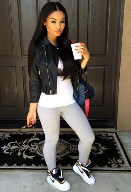 How To Wear Grey Leggings With White and Blue High Top Sneakers ...