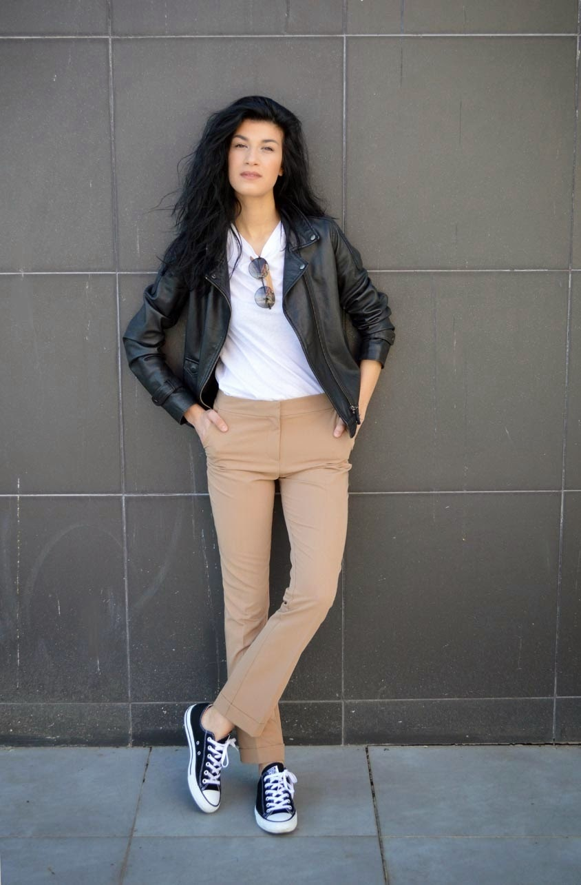 black shoes khaki pants white shirt style guru fashion