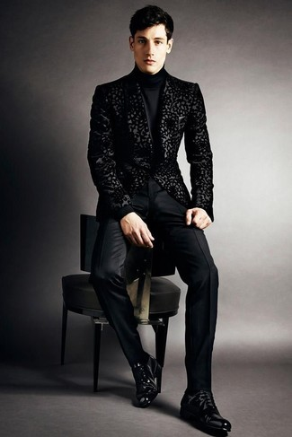 How to Wear a Black Brocade Blazer In Your 20s For Men: Teaming a black brocade blazer and black dress pants will create a sharp, rugged silhouette. Black leather oxford shoes integrate smoothly within plenty of combos.