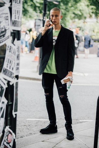 How to wear: black blazer, green print crew-neck t-shirt, black ripped skinny jeans, black chunky leather derby shoes