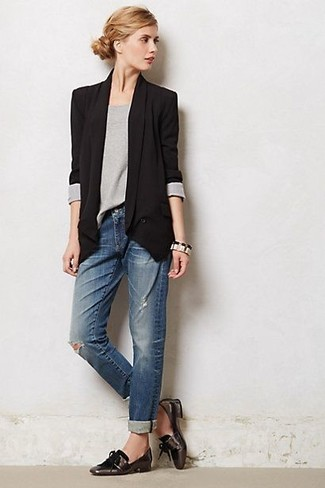 If you love staying-in clothes which are stylish enough to wear out, you should consider this combination of a blazer jacket and dark blue destroyed boyfriend jeans. Why not introduce dark brown leather tassel loafers to the mix for an added touch of style? It's is a good pick when it comes to picking out a standout ensemble for weird transition weather.