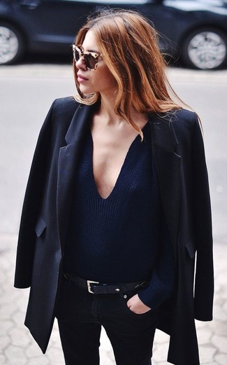 How to wear: black blazer, navy v-neck sweater, black skinny jeans, black leather belt