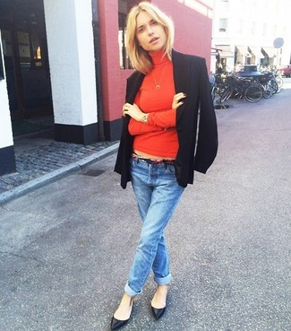 How to wear: black blazer, red turtleneck, blue boyfriend jeans, black leather ballerina shoes