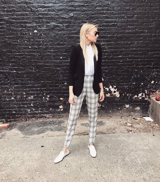 How to wear: black blazer, white sleeveless button down shirt, white and black plaid tapered pants, white leather loafers