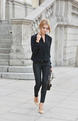 A black button front blouse and bottom are both versatile essentials that will give your outfits a subtle modification. Balance this outfit with beige leather pumps. A look like this makes it easy to embrace unpredictable transeasonal weather.
