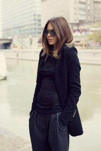 Black Long Sleeve T-shirt Dressy Outfits For Women: If the situation permits a casual outfit, consider teaming a black long sleeve t-shirt with charcoal tapered pants.