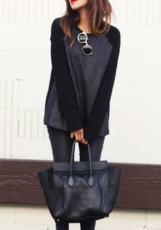 How to wear: black sequin crew-neck sweater, black skinny jeans, black leather tote bag, black and gold sunglasses
