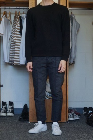 How to Wear Black Socks For Men: For an outfit that provides practicality and style, marry a black crew-neck sweater with black socks. Go ahead and add white leather low top sneakers to this look for a touch of refinement.