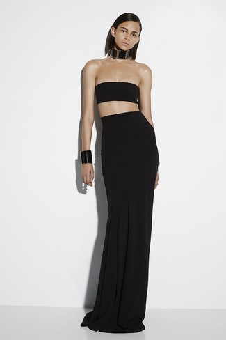 How to wear: black cropped top, black pleated maxi skirt, black leather necklace, black leather bracelet