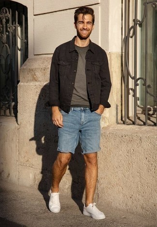 Blue Denim Shorts Outfits For Men: A black denim jacket and blue denim shorts are a pairing that every smart man should have in his menswear arsenal. White canvas low top sneakers act as the glue that will tie your look together.