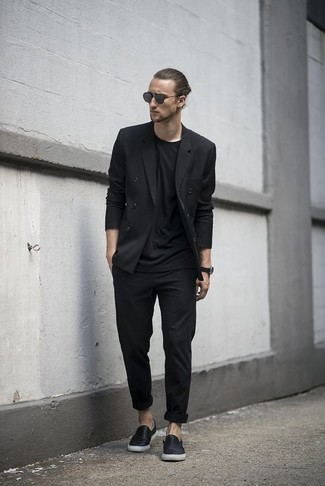 How to wear: black double breasted blazer, black crew-neck t-shirt, black chinos, black leather slip-on sneakers
