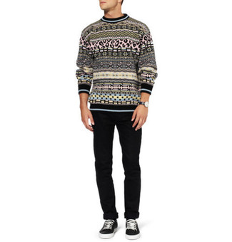 Black fair isle crew neck sweater black chinos black low top sneakers large 155