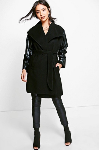 Pair a black leather coat with black leather leggings for a refined yet off-duty ensemble. Black cutout suede ankle boots will bring a classic aesthetic to the ensemble. As you can see, this ensemble is a really good option, especially for transeasonal weather, when the mercury is falling.