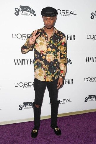 How to Wear a Black Floral Long Sleeve Shirt For Men: This laid-back pairing of a black floral long sleeve shirt and black ripped jeans is a never-failing option when you need to look dapper but have no extra time. Get a bit experimental on the shoe front and complement your outfit with black embroidered velvet loafers.