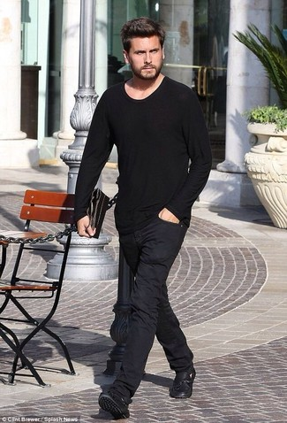 How to wear: black long sleeve t-shirt, black chinos, black leather driving shoes