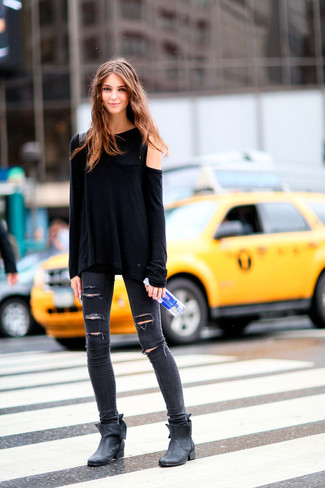 How to wear: black long sleeve t-shirt, charcoal ripped skinny jeans, black leather ankle boots