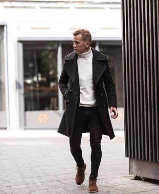 How to Wear a White Turtleneck For Men: The combo of a white turtleneck and black skinny jeans makes this a cool off-duty getup. On the shoe front, go for something on the smarter end of the spectrum by rocking brown suede casual boots.