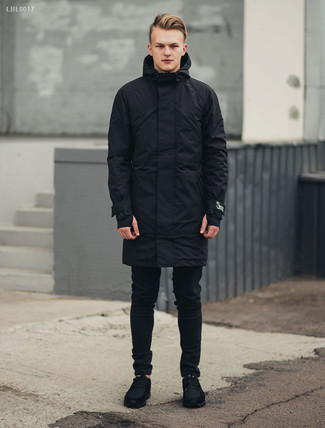 How to wear: black parka, black skinny jeans, black suede athletic shoes