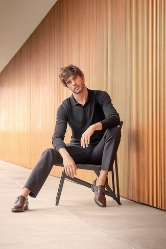 Men's Outfits 2020: For a smart casual look, marry a black polo neck sweater with charcoal chinos — these two pieces fit pretty good together. On the fence about how to finish your outfit? Wear dark brown leather derby shoes to smarten it up.