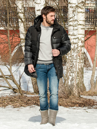 How to wear: black puffer coat, grey sweatshirt, blue jeans, grey uggs