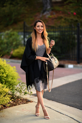 Pair a grey bodycon dress with an Armani Collezioni women's Faux Fur Wrap Shawl for an effortless kind of elegance. Bump up the cool of your getup by rounding it off with beige leather heeled sandals. So as you can see, this is a knockout idea for summer.