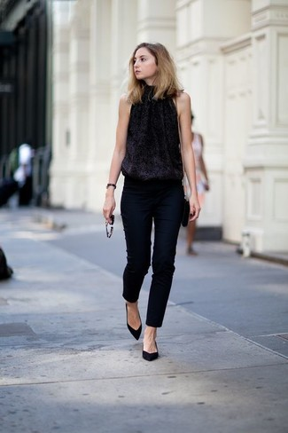 If it's comfort and practicality that you're searching for in an outfit, try pairing a black sequin sleeveless top with black skinny pants. Bring a touch of sophistication to your getup with black suede pumps. Loving that this combination is ideal when real summer weather settles in.