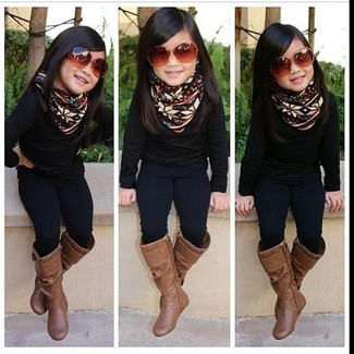 How to wear: black sweater, black leggings, brown boots