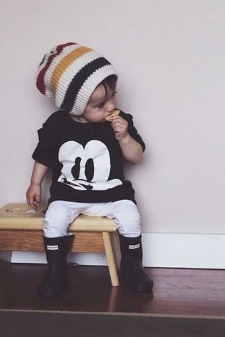 How to wear: black t-shirt, white sweatpants, black rain boots, white beanie