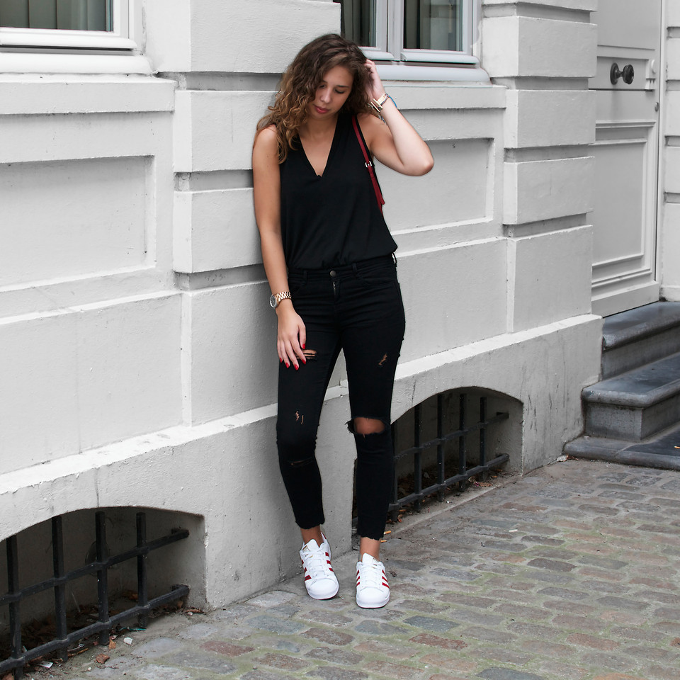 How To Wear Black Jeans With A Black Tank 48 Looks Outfits