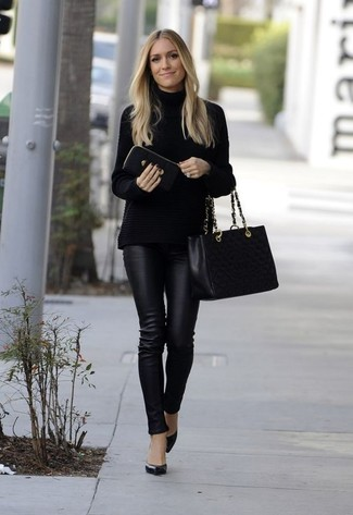 How to wear: black knit turtleneck, black leather skinny pants, black leather pumps, black quilted leather tote bag