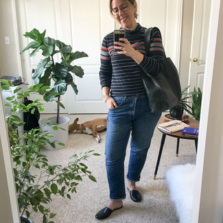 Black Leather Loafers Outfits For Women After 40: Wear a black horizontal striped turtleneck with blue jeans if you wish to look casually stylish without trying too hard. Jazz up your outfit with a sleeker kind of footwear, such as these black leather loafers.