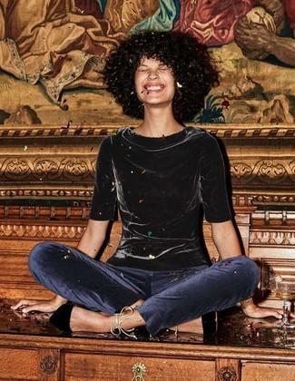 How to wear: black velvet short sleeve blouse, navy velvet skinny pants, black suede pumps