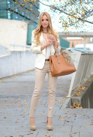 Women's Beige Blazer, White Button Down Blouse, Beige Skinny Pants, Beige Suede Pumps