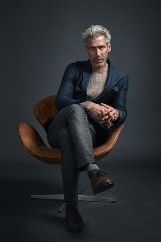 Men's Looks & Outfits: What To Wear In Fall: This classy pairing of a navy blazer and grey dress pants will prove your styling expertise. Complete your outfit with brown leather brogues to serve a little outfit-mixing magic. This combo is an excellent option when it comes to a kick-ass summer-to-fall look.
