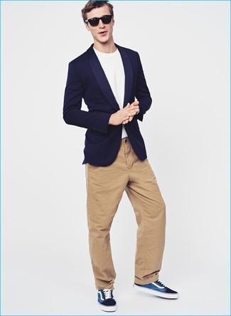 3ea391d5e70c6 Moda para Hombres › Moda para hombres de 30 años Look de moda  Blazer azul  marino