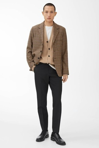 500+ Fall Outfits For Men: This refined pairing of a tan check blazer and black dress pants will prove your styling prowess. Our favorite of a countless number of ways to complement this look is with black leather derby shoes. It's is an obvious option if you're on the lookout for a kick-ass ensemble that transitions easily into fall.