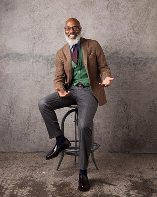 How to wear: brown plaid wool blazer, green cardigan, light blue denim shirt, dark brown dress pants
