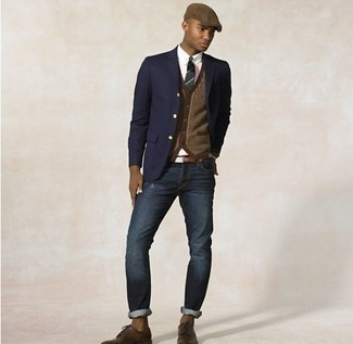 Make a navy blazer and deep blue jeans your outfit choice if you're going for a neat, stylish look. And it's a wonder what a pair of brown leather derby shoes can do for the look. Nothing like a neat combination to brighten up a dull fall afternoon.