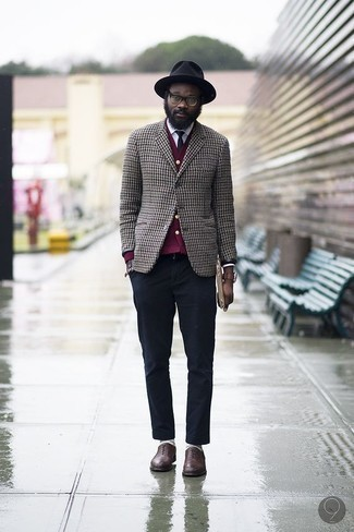 How to Wear a Black Wool Hat For Men: This relaxed casual combo of a brown houndstooth blazer and a black wool hat is a fail-safe option when you need to look stylish but have no time. Feeling creative today? Mix things up a bit by rounding off with a pair of brown leather oxford shoes. As a gentleman in his thirties, you're guaranteed to like this getup.
