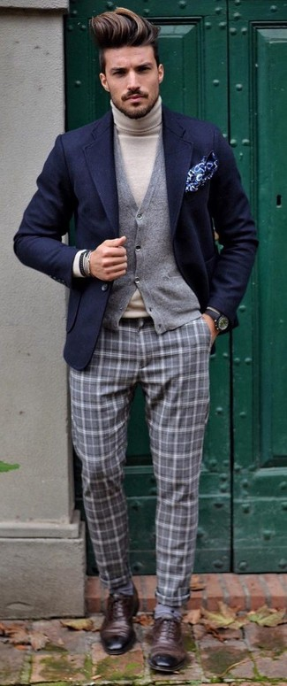A Gucci Navy Textured Wool Two Button Blazer and grey plaid dress pants will showcase your sartorial self. Smarten up your outfit with dark brown leather oxford shoes. This getup is perfect for summer-to-fall weather.
