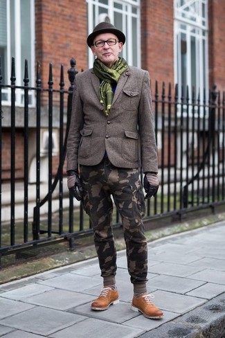 How to wear: olive wool blazer, olive camouflage cargo pants, tobacco suede derby shoes, dark brown wool hat