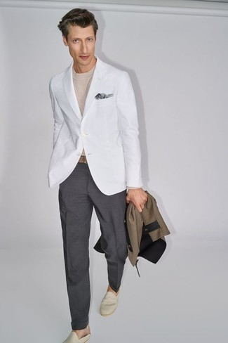 How to Wear a Blazer For Men: This combo of a blazer and charcoal dress pants is the definition of elegance. Beige canvas espadrilles are the most effective way to power up your ensemble.