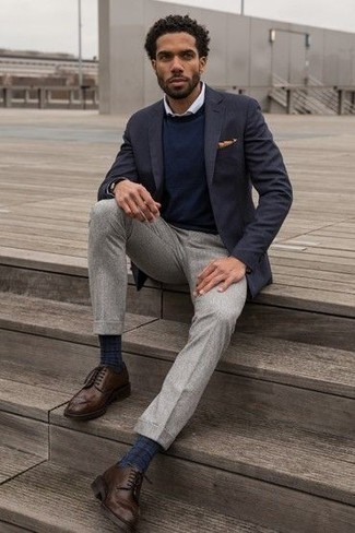 How to Wear Dark Brown Leather Brogues: For an ensemble that's nothing less than envy-worthy, wear a navy blazer and grey dress pants. Complement your ensemble with a pair of dark brown leather brogues to shake things up.